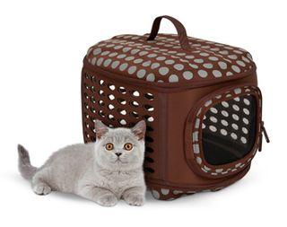 21787_curvations_pet-retreat_brown-gray-dots_cat-hero1