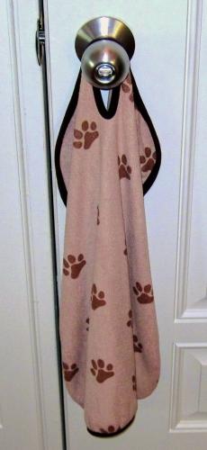 Dry Pets on door (2)